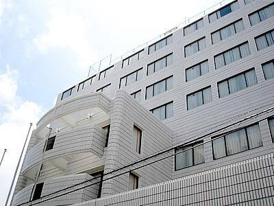 写真:琉球サンロイヤルホテルの外観