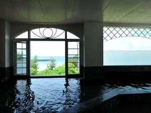 隣接ホテルの展望風呂「美ら海」